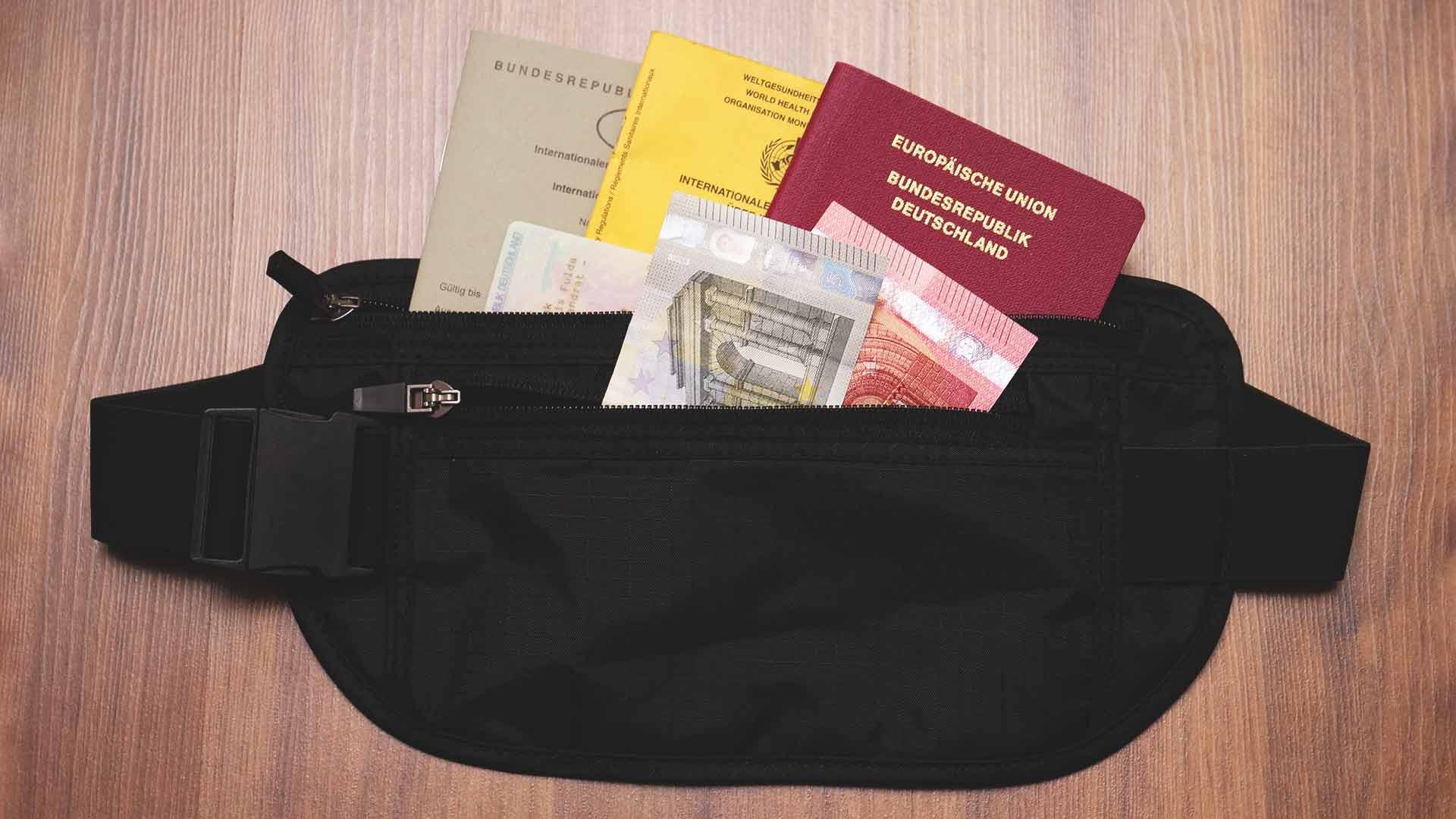 Backpacking Packliste Südostasien - Bauchtasche mit RFID-Blockierung gegen Identitätsdiebstahl für wichtige Dokumente und Kreditkarten