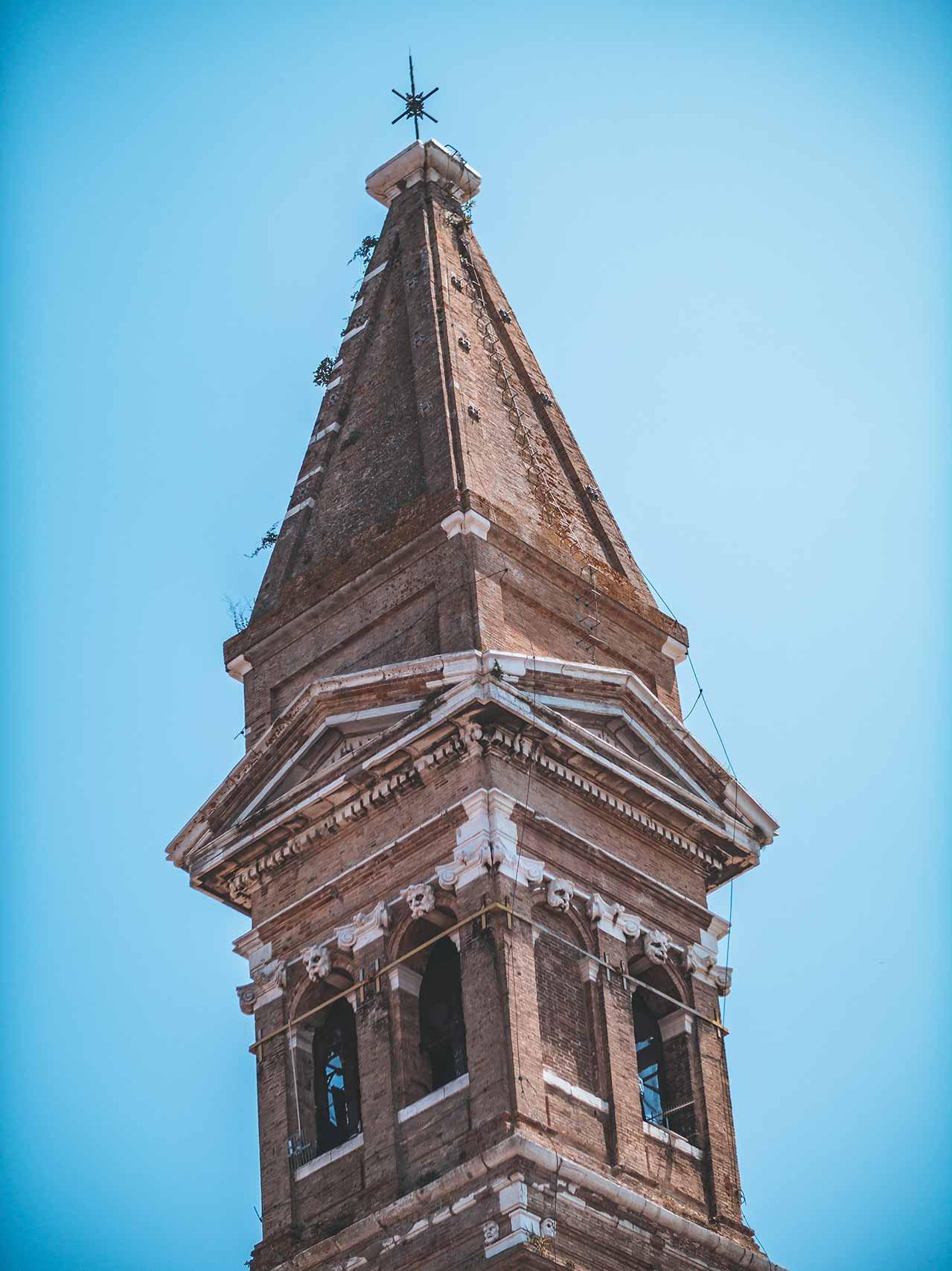 Martino Kirche - der schiefe Turm von Burano