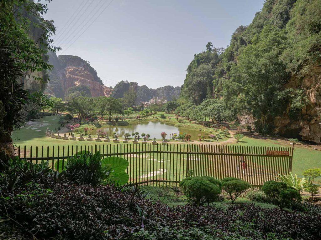 Parkanlage des Kek Lok Tong Tempel in Ipoh