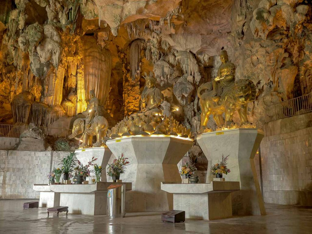 Höhlentempel Kek Lok Tong in Ipoh