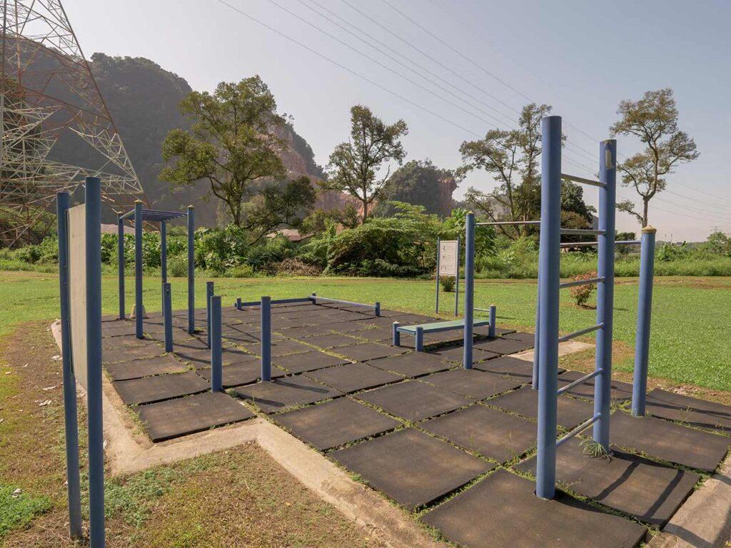 Trainingsplatz im Garten des Kek Lok Tong Tempel in Ipoh