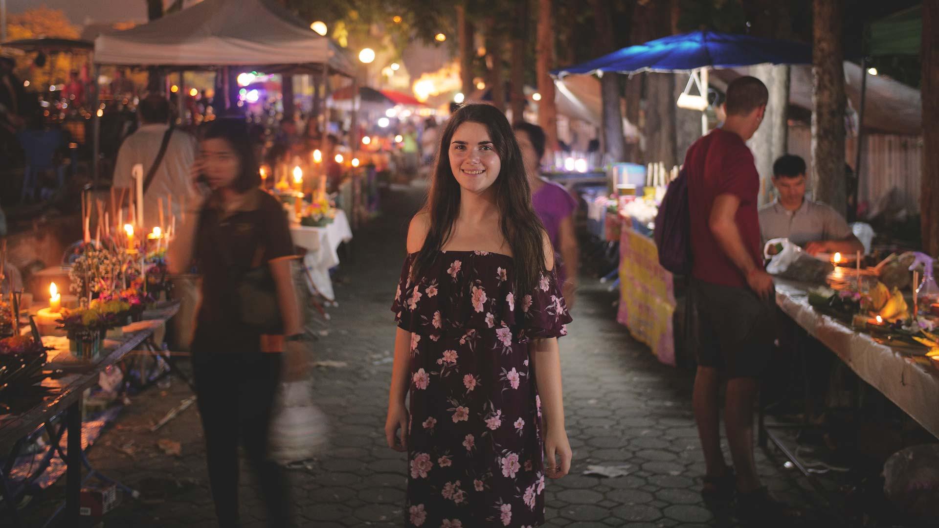 Loy Krathong Festival - Jasmin in einer Seitenstraße auf dem Markt in Chiang Mai