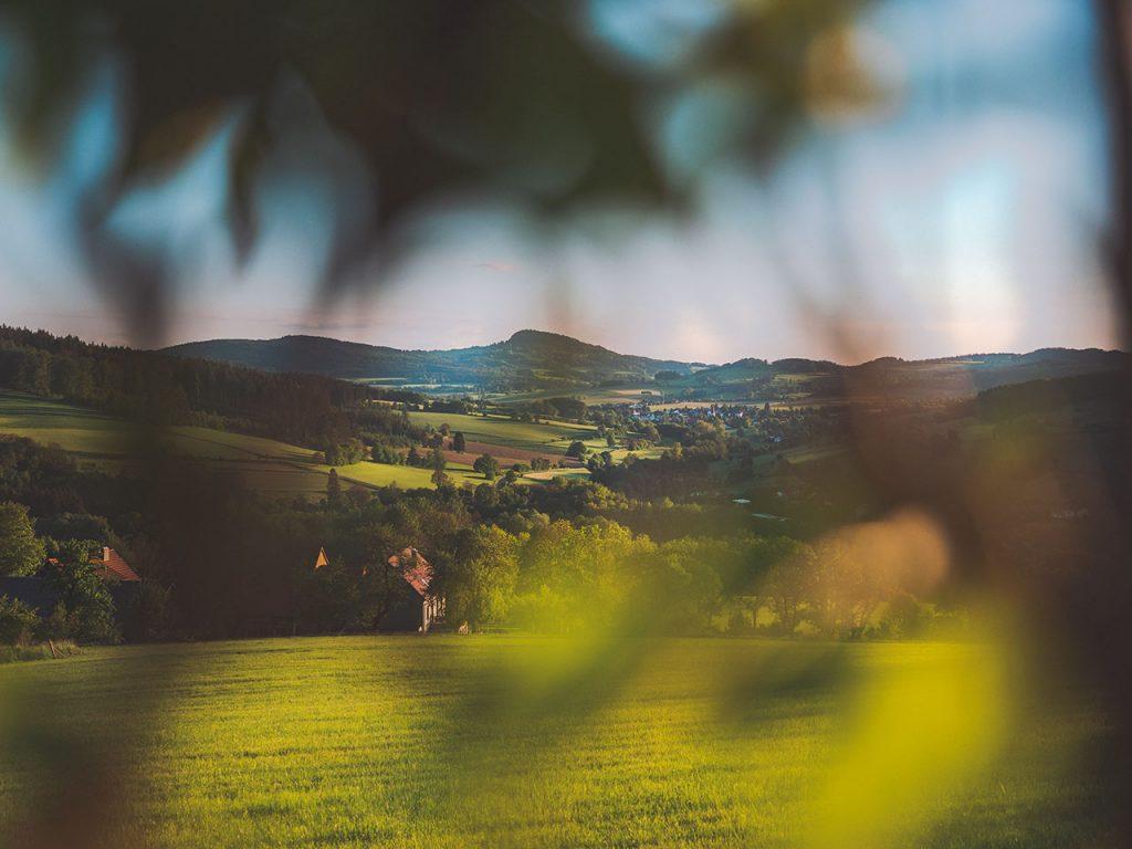 Wanderung zur Auersburg: Aussicht auf die Milseburg