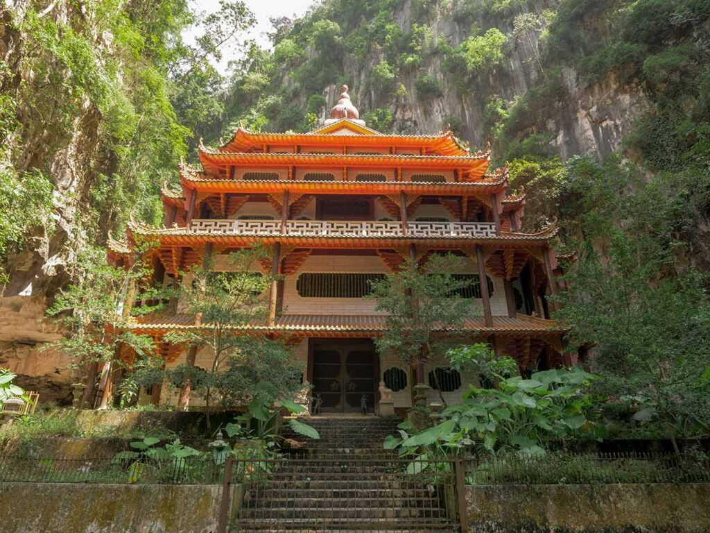 Der Sam Poh Tong Höhlentempel in Ipoh