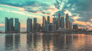 Skyline von Singapur beim Sonnenuntergang