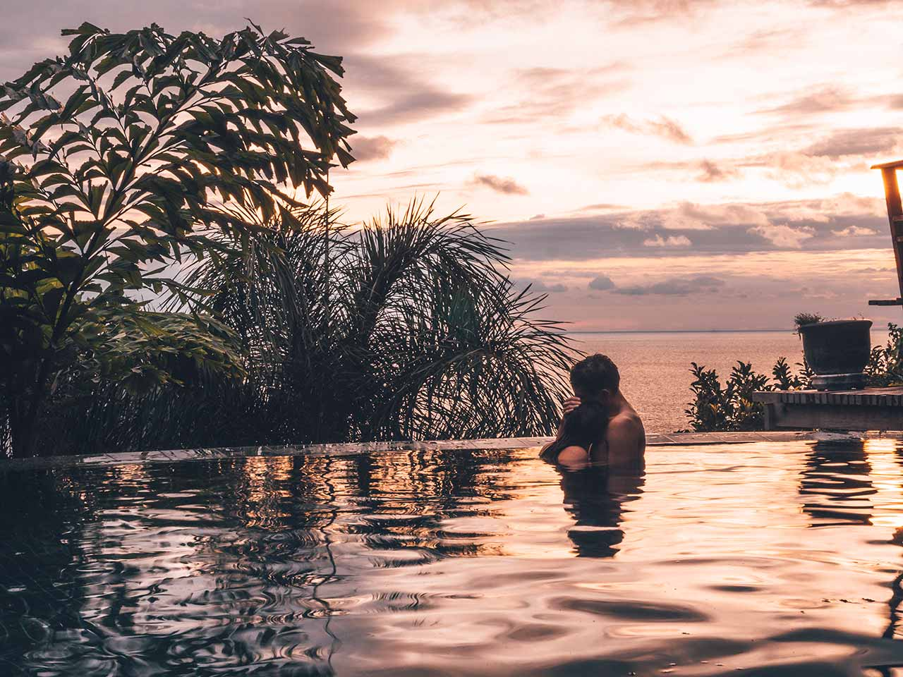 Thipwimarn Resort Koh Tao - Infinity Pool beim Sonnenuntergang