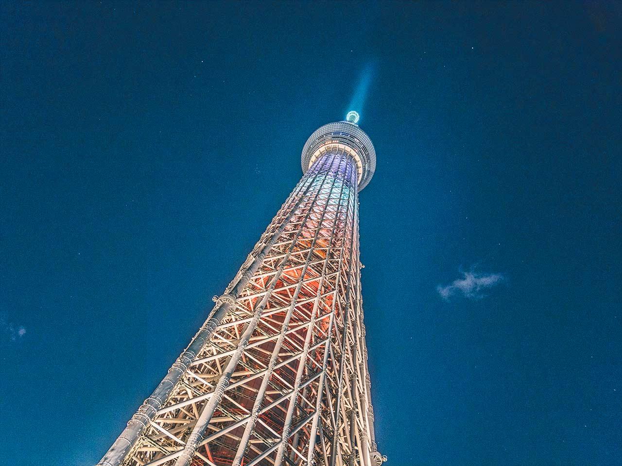 Tokyo Skytree beleuchtet bei Nacht