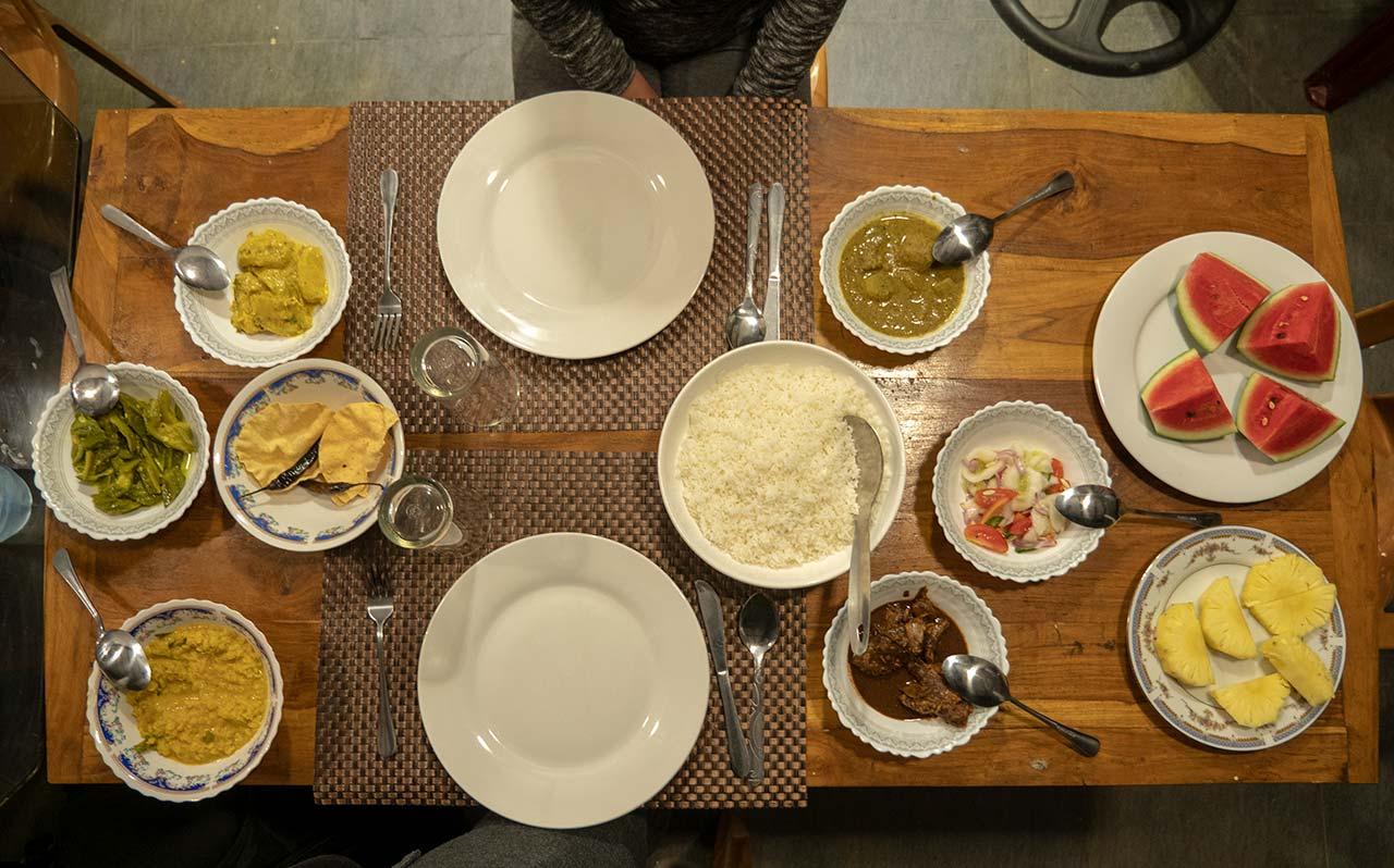 Udawalawe Nature Park - Singhalesisches Abendessen