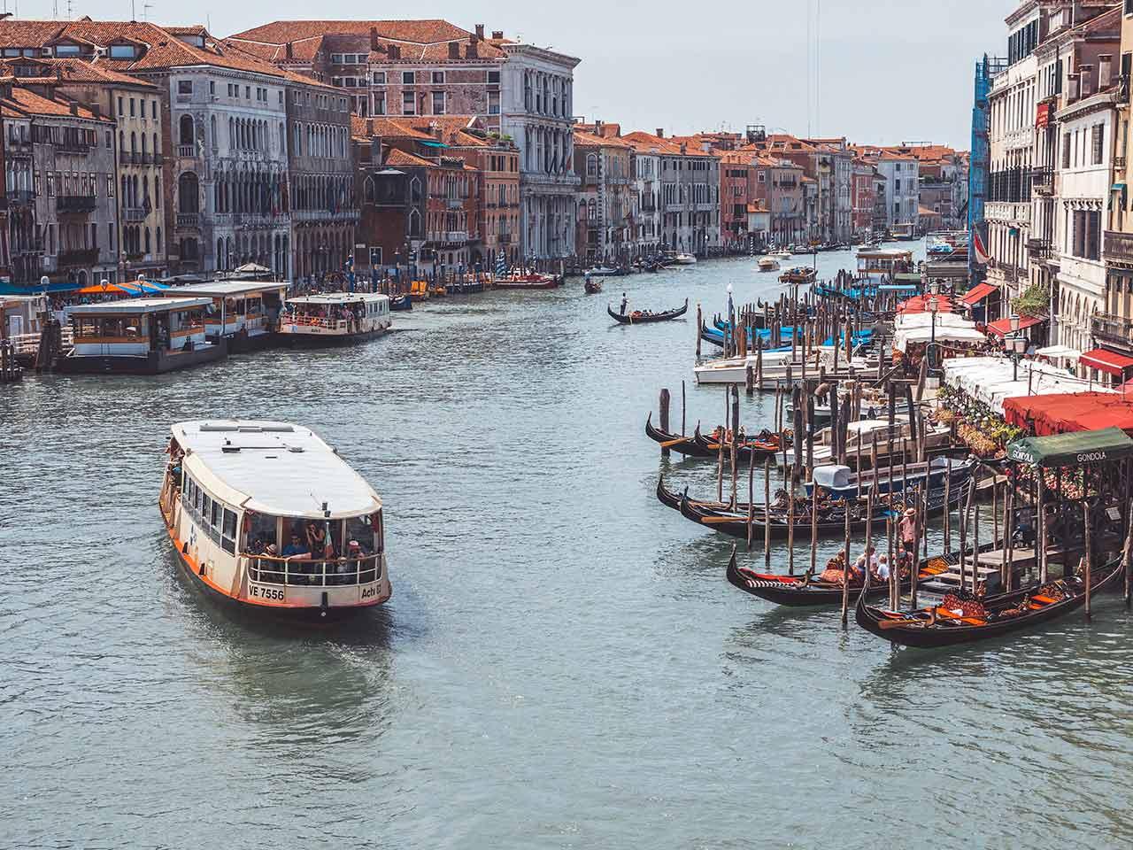 Wassertaxi in Venedig - Vaporetto